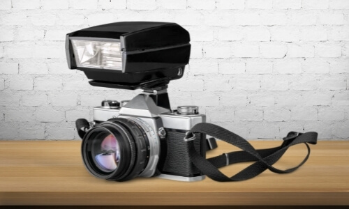 Pros and Cons of Using an External Flash