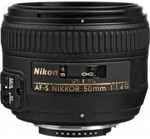 NIKKOR 18-300mm